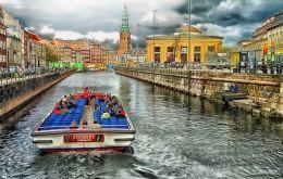 Copenhaga 2018 - Capitala  Celei Mai Vechi Monarhii Si A Oamenilor Fericiti