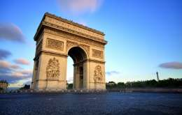 De La Paris La Madrid 2019 - Comorile Secreteale Bretaniei Si Tarii Bascilor